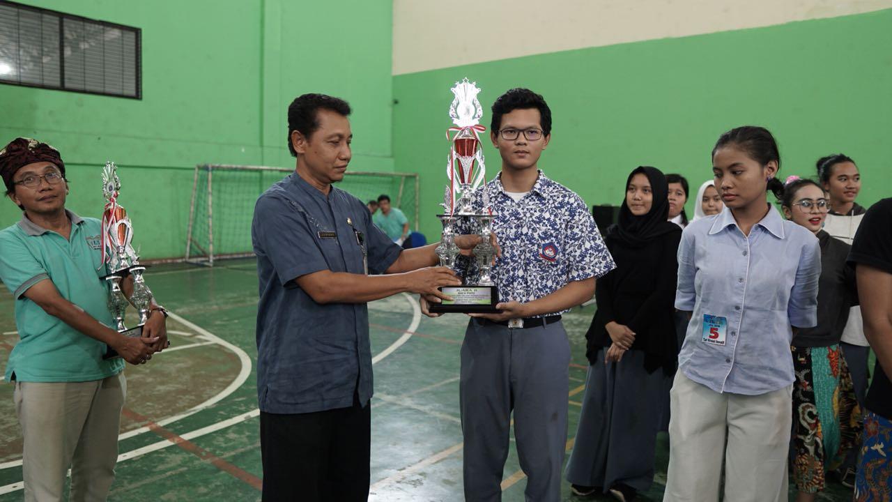 Juara 2 Baca Puisi FLS2N Tgkt Jaktim2 2018