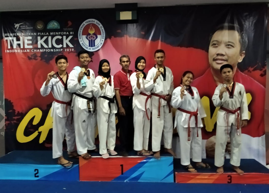 Medal Emas Taekwondo The Kick Indonesia Championship 2019